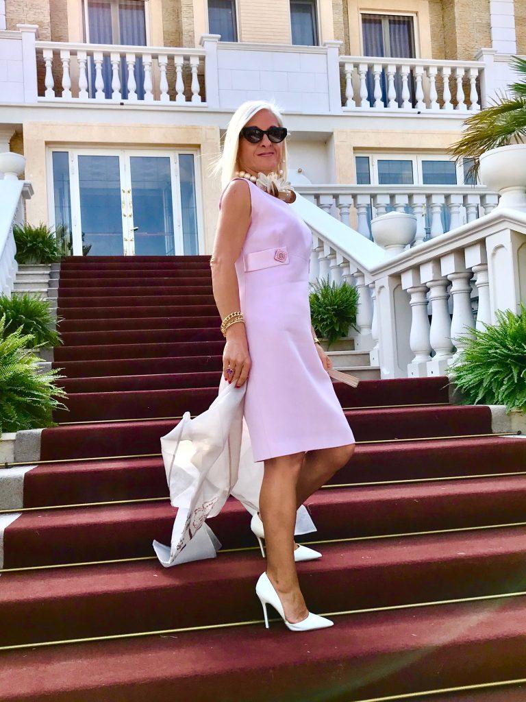 eleganza outfit rosa cerimonia